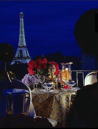 El interior del Hotel Jorge V en París