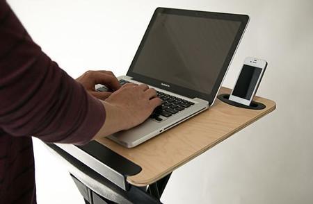 StorkStand, convierte tu silla en una mesa para trabajar de pie