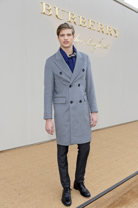 Toby Huntington Whiteley Wearing Burberry At The Burberry Menswear January 2016 Show