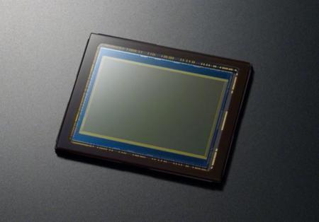 Sony parece tener entre manos un nuevo sensor multicapa que incorpora una lente superficial