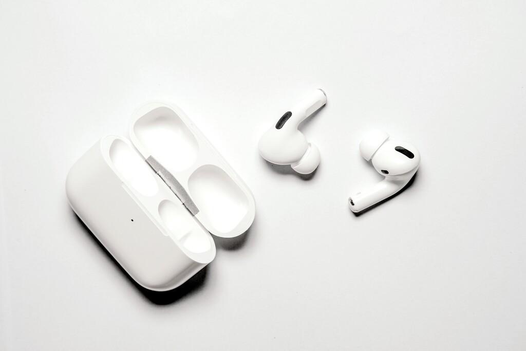 Los nuevos AirPods Pro y el nuevo iPhone SE llegarán este mes de abril, según Mac Otakara