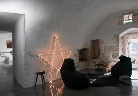 Una barraca agrícola transformada en un hogar mediterráneo con mucho encanto