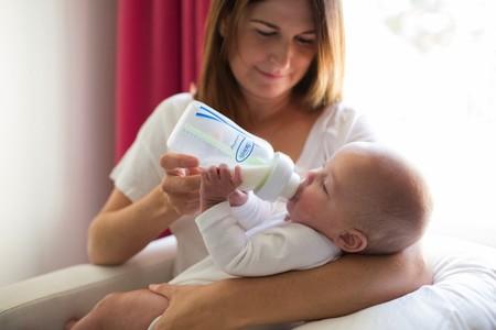 ¿Cómo influye la alimentación en el sueño del bebé?
