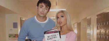 Ariana Grande revive las películas de nuestra juventud en su último videoclip (con Kris Jenner incluida)