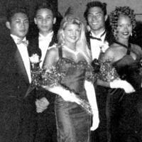 Nos ponemos nostálgicos con los bailes de graduación de los famosos (I)