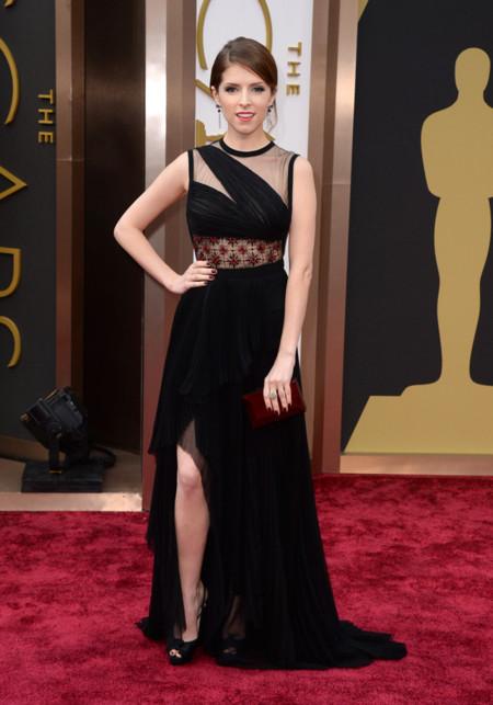 Las peor vestidas de la alfombra roja de los Oscar Anna Kendrick de J.Mendel