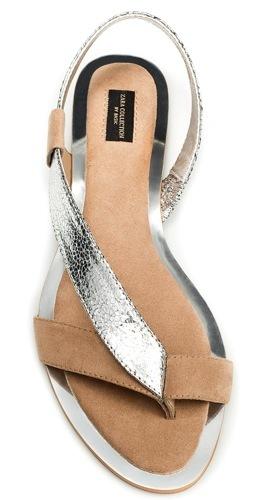 Sandalia asimétrica plateada de Zara para este verano
