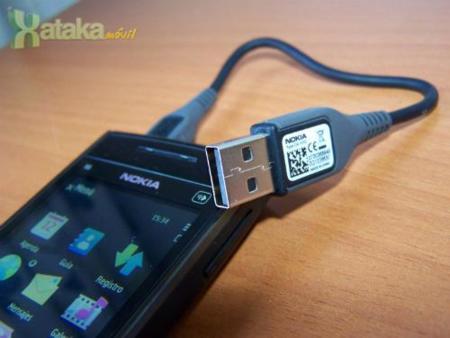 Nokia X6 16GB - USB