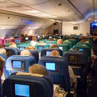 Entretenimiento a bordo: las series favoritas de los viajeros para ver en el avión