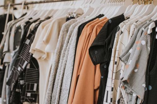 Mejores ofertas en la tienda Unit de El Corte Inglés en AliExpress: camisetas, faldas y pantalones  desde sólo 3 euros