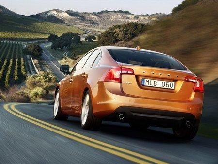 Volvo aumenta la eficiencia de las versiones T3 y 1.6D automáticas