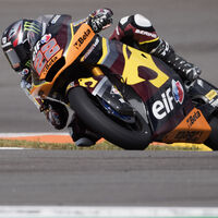 ¡Tres de tres! Sam Lowes vuelve a hacer la pole position de Moto2 pese una caída
