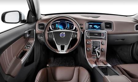 Volvo S60L Plug-in Hybrid 05