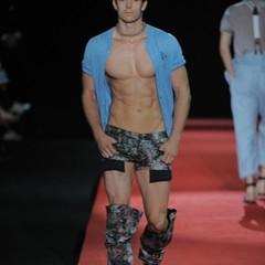 Foto 8 de 13 de la galería vivienne-westwood-primavera-verano-2010-en-la-semana-de-la-moda-de-milan en Trendencias Hombre