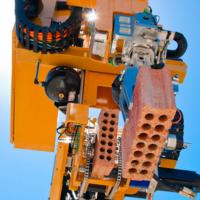 Este robot construye paredes a un ritmo endiablado e inalcanzable para un albañil: 1.000 ladrillos por hora