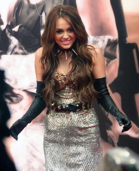 Foto de Miley Cyrus y Kim Cattrall en Sexo en Nueva York 2: looks de la pesadilla convertida en realidad (3/9)