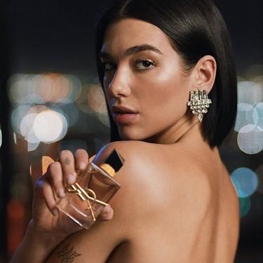 """Dua Lipa presenta """"Libre"""" el nuevo perfume de YSL estrenándose como embajadora de la maison francesa"""