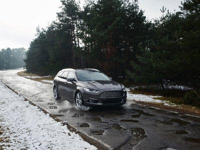 ¡Atención, bache! Ford quiere que sus coches emitan alertas de lo que te espera en carretera