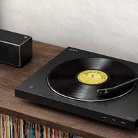 Sony sigue apostando por los vinilos con su nuevo tocadiscos, el PS-LX310BT: aire clásico y conexión sin cables