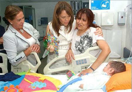 Campaña de sensibilización para pedir más amplitud horaria de visitas en las UCI Pediátricas de los hospitales españoles