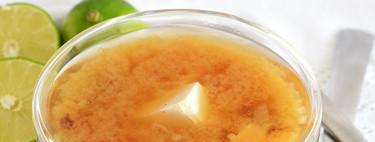 Sopa miso tradicional. Receta japonesa