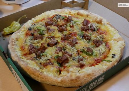 Probamos la nueva pizza vegana de Papa John´s, con carne falsa de Beyond Meat