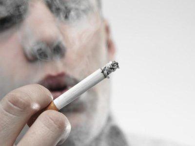 Fumar y consumir alcohol en exceso nos hacen envejecer en el ADN