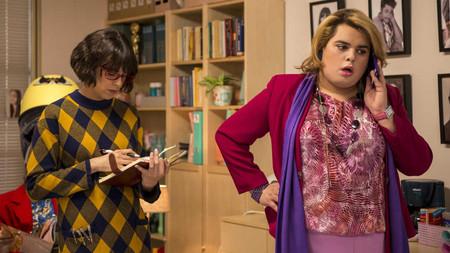 """En el tráiler de la temporada 2, 'Paquita Salas' no está loca, está """"hasta el coño"""" por su mayor crisis profesional"""