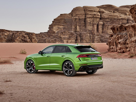 Audi RS Q8 2020 trasera lateral