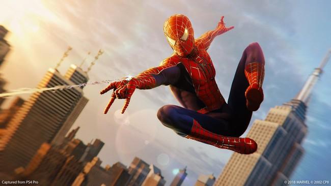Marvel's Spider-Man recibe por sorpresa el traje de la trilogía de Sam Raimi. ¡Feliz Navidad!