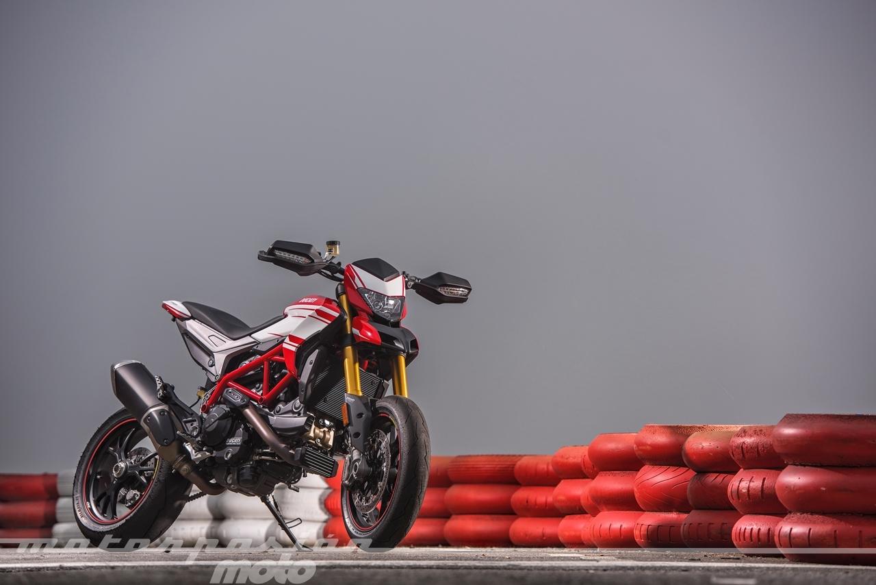 Foto de Ducati Hypermotard 939 SP (11/25)