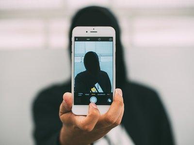 """""""Derecho a la inocencia"""", la ley británica que permitirá borrar de Internet lo publicado antes de los 18"""