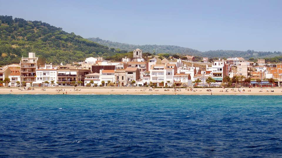 Escapada en media pensión frente a la Costa del Mediterráneo