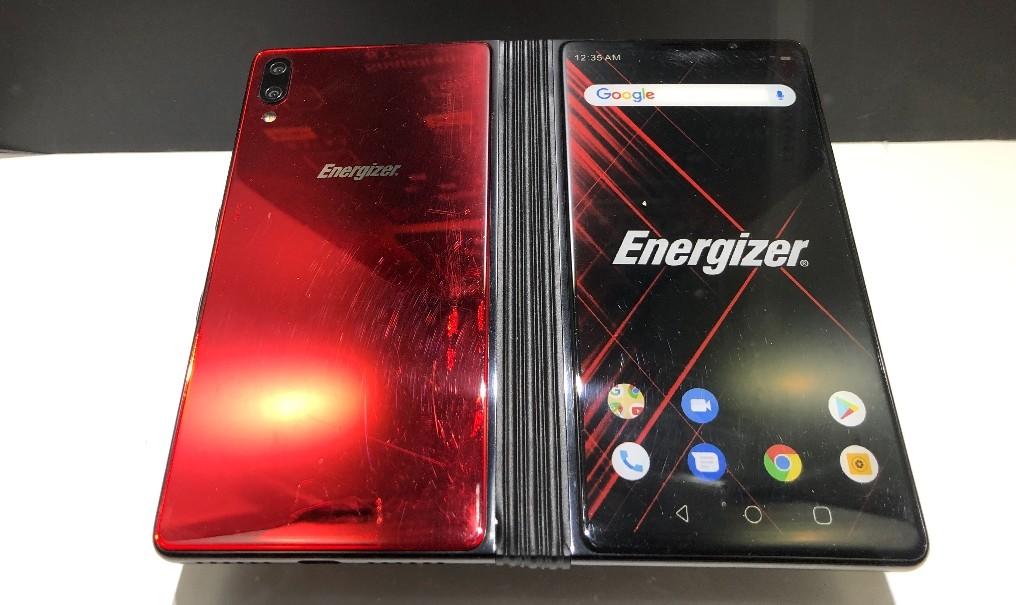Energizer prepara un móvil plegable económico: llegará en noviembre por 899 euros