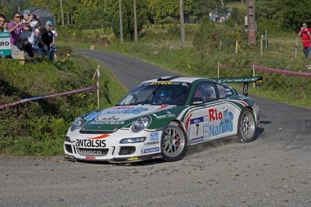 El equipo Porsche-Vallejo debuta con victoria en Ferrol
