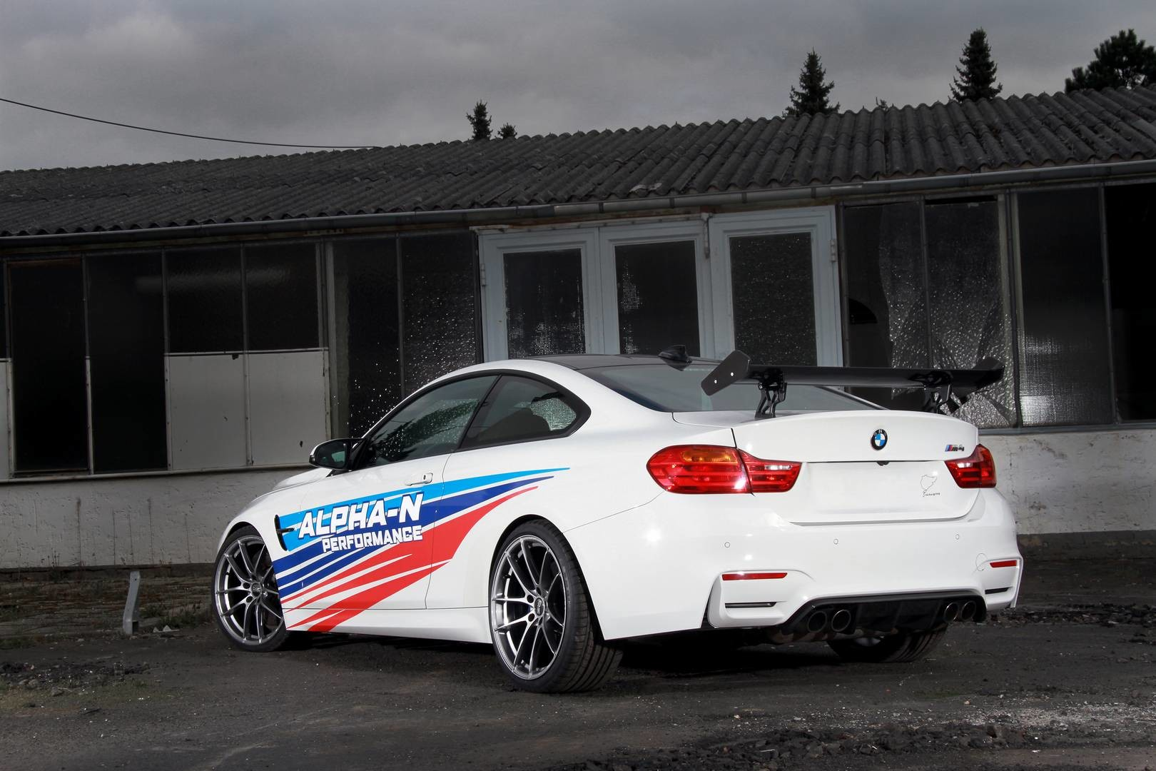 BMW M4 RS