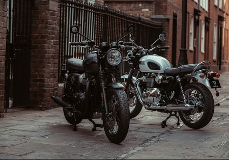 Triumph Bonneville T120 Ace Diamond