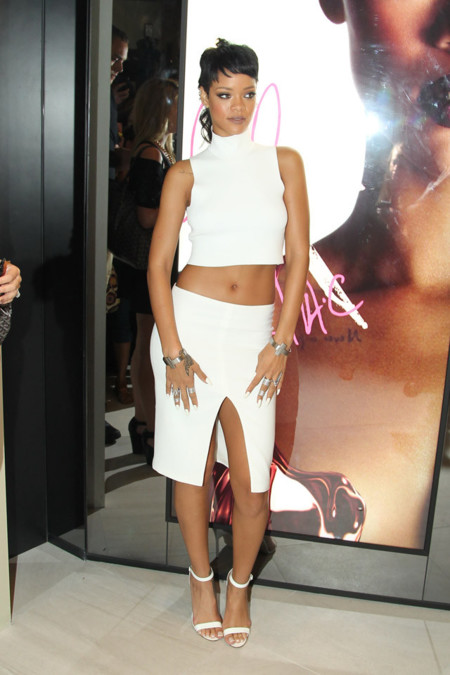 Rihanna look blanco