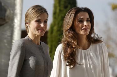 Doña Letizia y Rania de Jordania, dos 'working girls' con estilos muy distintos