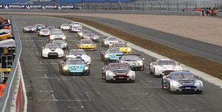 Salida FIA GT1 World 2010 en Silverstone