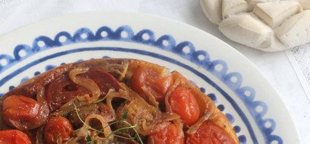 Tarta tatin de tomates cherry. Receta sencilla para una cena vegetariana