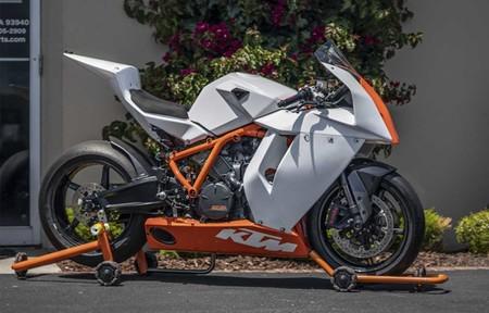 ¡Rompedora! Sale a subasta un ejemplar de la la KTM RC8R Track, una deportiva para circuito de 180 CV