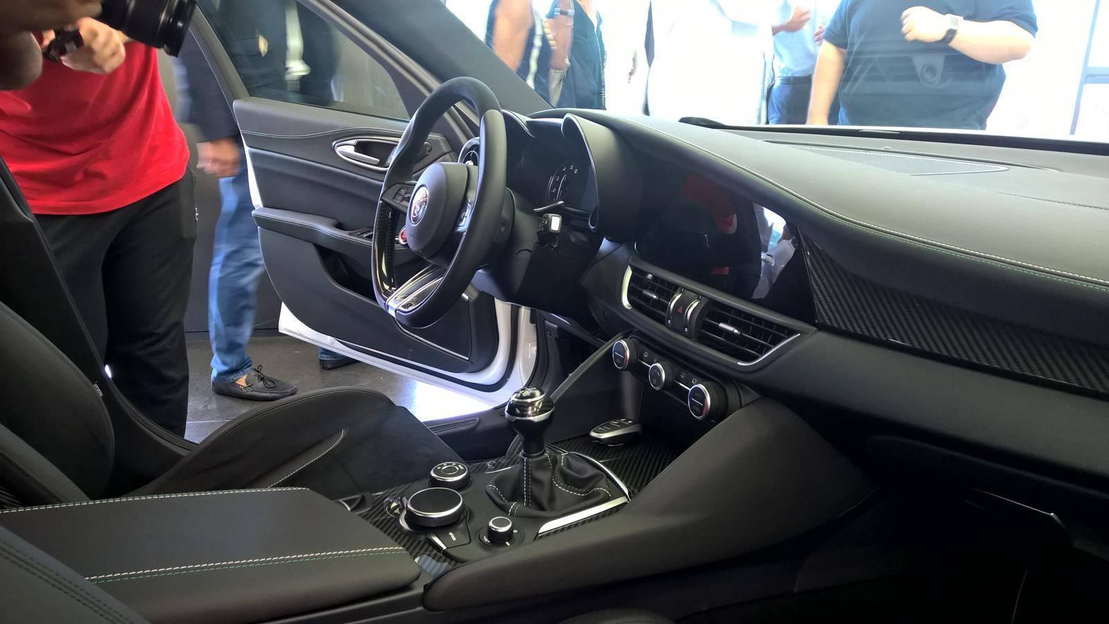 Alfa Romeo Giulia, interior (2/9)