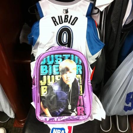 Justin Bieber todo un año en el lomo de Ricky Rubio y demás novatadas