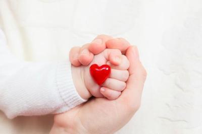 Un bebé de seis días, trasplantado de corazón por una cardiopatía