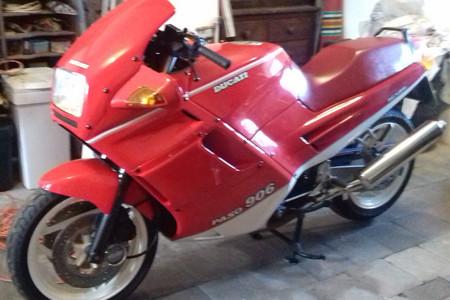 Si tienes 6.000 euros ahora puedes tener una Ducati Paso 906 expropiedad del campeón de F1 Nigel Mansell