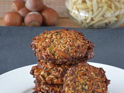 Galletas energéticas de semillas y frutos secos sin harina: receta para un picoteo saludable