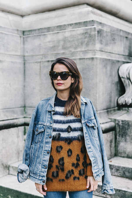 Double Denim Sandro Paris Leopard Jumper Sneakers Vintage Levis Cropped Trousers Outfit Street Style 19