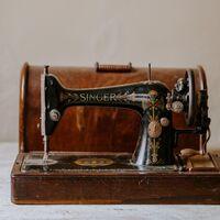 La máquina de coser Singer que adoraban nuestras abuelas tiene su versión renovada y además está rebajadísima en Amazon