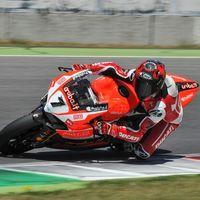"""Carlos Checa: """"La Ducati Panigale V4 es como una MotoGP"""""""